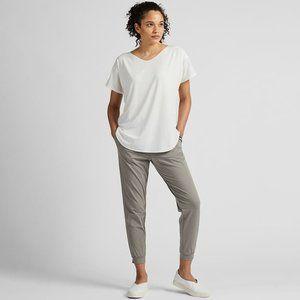 Uniqlo AIRism White Seamless V-Neck T-Shirt
